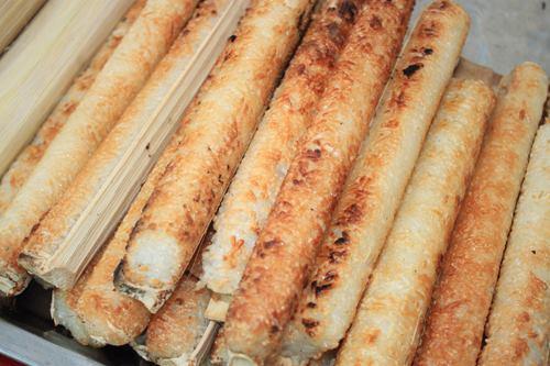 Cơm lam Mai Châu- đặc sản nổi tiếng của núi rừng Tây Bắc
