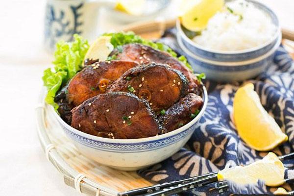 Món cá chép om ngũ vị hương khi chế biến xong