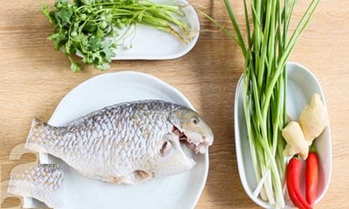 Nguyên liệu cho món cá hấp sốt xì dầu