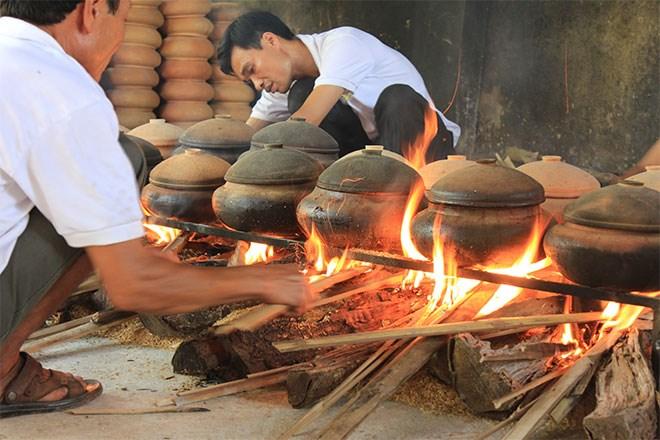 Từ món ăn cổ truyền của làng Vũ Đại, cá kho Bá Kiến trở thành món ăn đặc sản được yêu thích nhất hiện nay